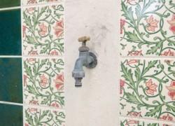 ガーデニングには外水栓をお忘れなく