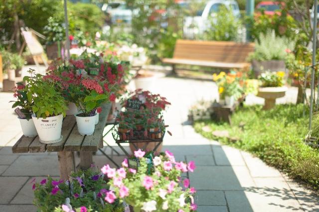 太陽と風とブロックのお庭つくりとは